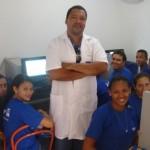 Alunos da comunidade da Boca do Rio em Curso de Informática