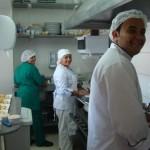 O empreendedor José Vamberto e os funcionários felizes com o sucesso do seu negócio