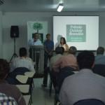 Diretor de Relações Institucionais da Braskem Milton Pradines ao lado do diretor da Abes Reinaldo Falcão e da presidente do Sindjornal Valdice Gomes