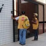 Agentes de saúde visitam residências dos bairros de maior infestação