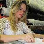 Estilista Fiama Pimentel começou a costurar e desenhar aos 10 anos de idade