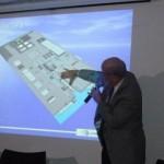 Empresário German Efromovich apresentando em detalhe o projeto do Estaleiro Eisa