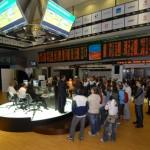 Investidores observam pregão eletrônico da Bovespa