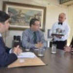 Presidente da CPLA Aldemar Monteiro e o deputado Joaquim Beltrão conversam o presidente da Conab sobre a necessidade de melhorar o preço do leite