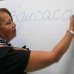 Professor Enid Costa é exemplo de perseverança e cidadã consciente que solicita a nota fiscal durante as compras