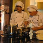 Os estudantes da Mauricio de Nassau, Ivo Santos e Bruno Ribeiro na Cozinha Gourmet da Algás