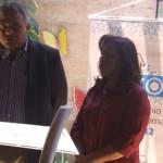 Diretor de Relações Institucionais da Unidade de Vinílicos da Braskem, Milton Pradines, fala da importância da premiação para a imprensa alagoana, ao lado da presidente do Sindjornal Valdice Gomes