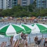 Praias da capital estiveram lotadas de turistas durante o feriadão