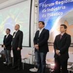 Empresários, secretários, políticos e técnicos participam do Fórum Regional da Indústria do Plástico
