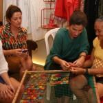 Estilista Lanza Mazza participa de encontra com artesãs alagoanas e conhece o filé alagoano