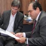 Superintendente do Sebrae Alagoas, Marcos Vieira, e o presidente do TCE/AL, conselheiro Cícero Amélio, formam parceria em prol do incentivo ao empreendedorismo no Estado