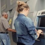 INSS começa a pagar para aposentado que recebe acima do salário mínimo
