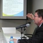 Gerente técnico da Renova Energia, principal empresa do setor eólico do Brasil, Erik Marquadt, profere palestra para empresários na Fiea