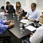 Empresários foram apresentar o cronograma de inauguração da fábrica ao secretário Luiz Otávio Gomes