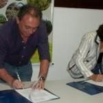 Gerente Geral da Caixa Francisco Holanda e Inês Pacheco assinam parceria