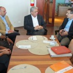 Empresários da Almaviva conversam com o governador Teotonio Vilela Filho, o secretário de Estado Luiz Otávio Gomes e a secretária municipal Solange Jurema
