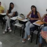 Secretária Solange Jurema visita os estudantes
