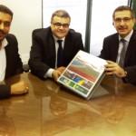 Secretário Luiz Otávio Gomes e o diretor técnico do Enor Max Weber ao ao presidente do Ibama Wolney Zanardi
