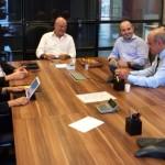 Secretária Poliana Santana esteve reunida com a diretoria da empresa para tratar sobre novas operações no estado
