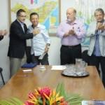 Luiz Otávio Gomes recebe homenagem da classe empresarial pela colaboração ao fortalecimento da indústria no Estado
