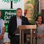Reinaldo Falcão (ABES) Milton Pradines, da Braskem, e Valdice Gomes, do Sindjornal estarão fazendo o lançamento de mais uma edição do Prêmio Octávio Brandão