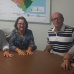 Presidente da CPLA, Aldemar Monteiro, e o diretor Carlos, recepcionam administradora Lucia Farias e do tecnólogo em laticínio, Luiz Batista, da Coopetan