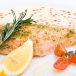 Filé de Tilápia ao molho de limão siciliano e camarões