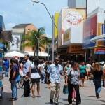 Consumidores sinalizam intenção de reduzir as compras por causa do endividamento