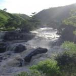 Cachoeira da Escada, no leito do rio Mundaú, na divisa Santana do Mundaú (Alagoas) Correntes (Pernambuco)
