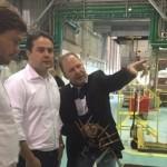Governador Renan Filho conhece e observa a fábrica descrita pelo diretor geral João Batista