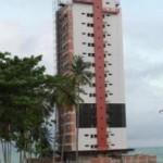 Construção de edificações no litoral norte de Maceió