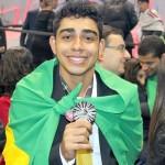 Estudante arapiraquense Weverton Silva, de 21 anos, acaba de conquistar a medalha de prata na Worldskills 2015