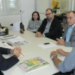 Reunião de representantes do Sindicato dos Corretores de Seguros de Alagoas com o diretor do Detran, Antonio Gouveia