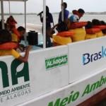 Barco-Escola atende alunos da rede pública de ensino