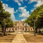 Praça de Dois Leões no bairro de Jaraguá