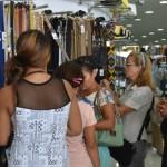 Consumidores voltam gradativamente a efetuar novas compras