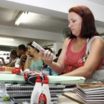 Pais devem fazer pesquisas antes de comprar material escolar