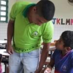 Professor em escola indígena