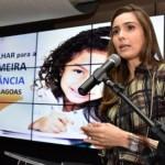 A primeira-dama e coordenadora do Comitê da Primeira Infância em Alagoas, Renata Calheiros, apresentou conceitos da primeira infância e a importância dos profissionais que atuarão no Criança Feliz