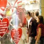 Comércio espera pequena melhora com as vendas no Dia dos Namorados