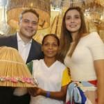 Renan Filho e Renata Calheiros, no estande de Alagoas, na Fenearte