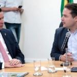 Ministro dos Transportes Maurício Quintella e o governador Renan Filho assinam a parceria entre a União e o Estado
