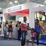 Estande Sesi/Senai atrai a atenção de estudantes e de toda a comunidade