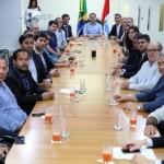 Governador Renan Filho com empresários no Palácio da República dos Palmares