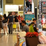 Movimento nos shoppings cresce com a proximidade do Natal