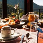 Hospedagem e alimentação ajudam a impulsionar o mercado de trabalho no segmento do turismo