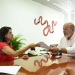 José Carlos Lyra, presidente da Fiea, e Jirlene Costa, presidente da Cooperativa, formalizaram o acordo na última quarta-feira