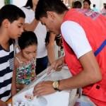 Técnicos da Secretaria de Saúde levam informação e ação para população
