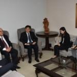 Governador Otávio Praxedes e o embaixador chinês Li Jinzhang debateram a possibilidade de investimentos e parcerias nas áreas de indústria, comércio e turismo