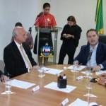 O governador Renan Filho assinou um decreto que reduz a carga tributária